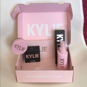 Kylie Cosmetics by Kylie Jenner Bundle